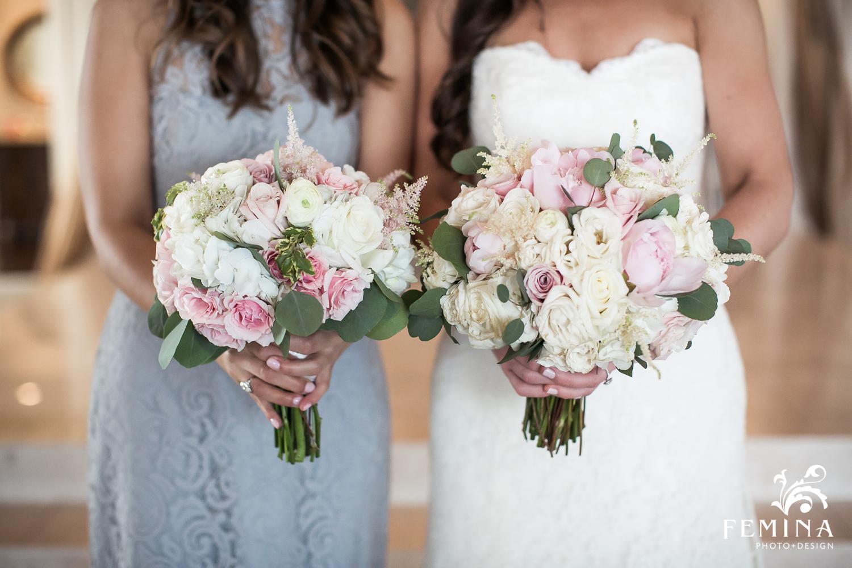 Bride and bridesmaids bouquets at Mallard Island Yacht Club